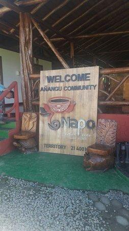 Orellana Province, Ecuador: Entrada al comedor. Cartel de bienvenida en Napo Cultural Center.