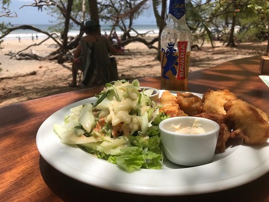 Lola's: Fish and chips, salad and Bavarria