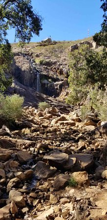 Lesmurdie, Australia: The little tickle of the waterfall in the dry season