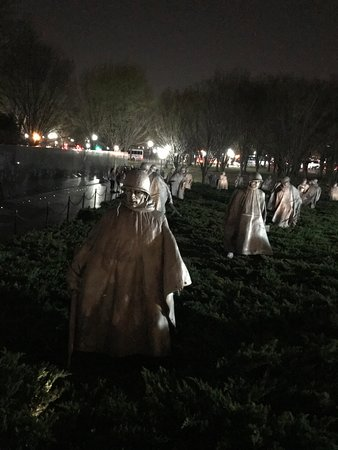 Korean War Veterans Memorial : Erily beautiful at night