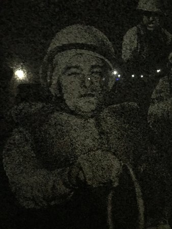Korean War Veterans Memorial : Soldiers etched on the surrounding black wall