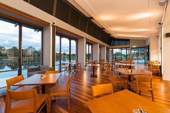 North Lakes, ออสเตรเลีย: Boardwalk Restaurant