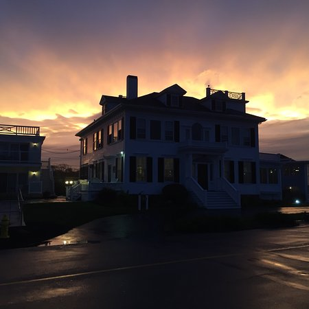 Ocean House Hotel at Bass Rocks: Incredible sky colors after the storm.