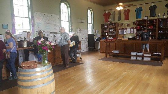 Pirtle Winery: 20180511_125534_large.jpg