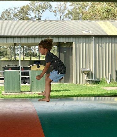 Shoalhaven, Australia: Jumping pillow