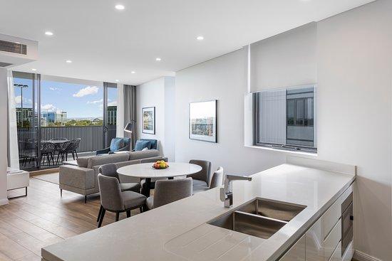 Meriton Suites Sydney Airport