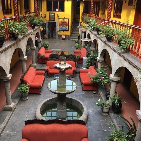 Hotel Munay Wasi Inn: Main foyer