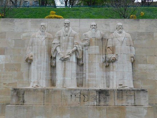 Reformation Wall (Mur de la Reformation): Main protagonists of the Reformation, John Calvin, William Farel, Theodore Beza and John Knox