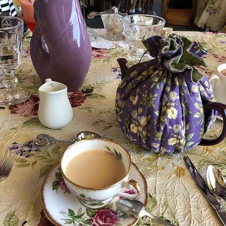 La Tea Da Tea Room: photo1.jpg