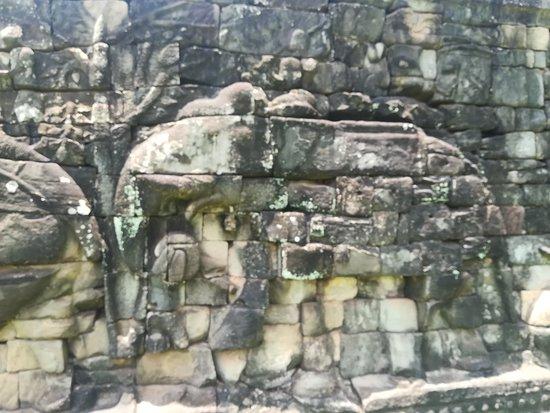 像のレリーフ