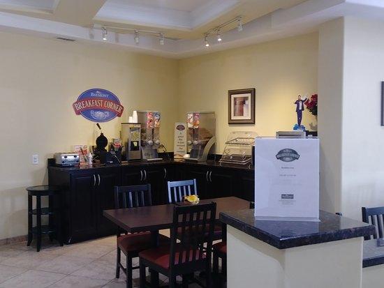 Chocowinity, NC: Breakfast Area