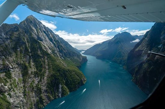 Milford Sound Glacier Flight & Cruise...