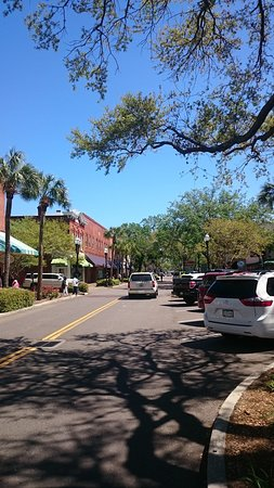 Amelia Island Historic District: Other end of the main street