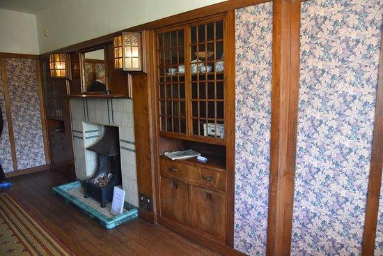 Elegant 78 Derngate: Dining Room