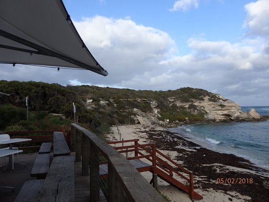 Gnarabup, Australia: This photo was taken from the Cafe out door area where you can enjoy the view while eating.