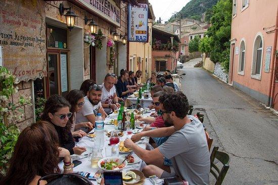 Doukades, اليونان: Lunch at Elizabeth Taverna