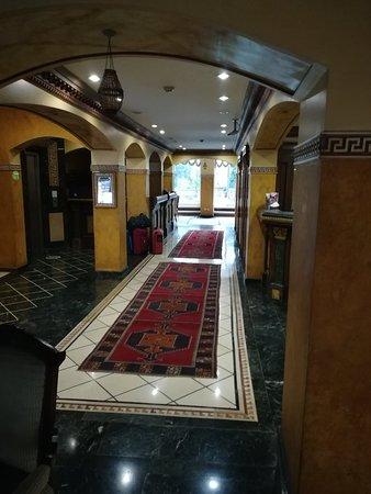 Nena Hotel: IMG_20180514_095253_large.jpg