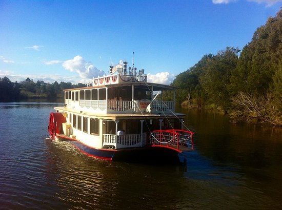 Penrith, Αυστραλία: Welcome aboard the Nepean Belle :)