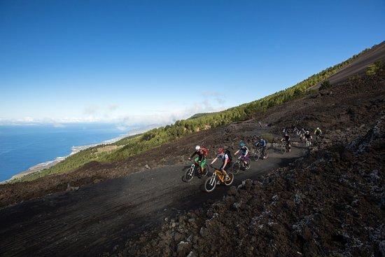 Puerto de Naos, สเปน: Panorama Biketour mit Atlantic Cycling vom Grill und Campingplatz Refugio Pilar nach Fuencalient