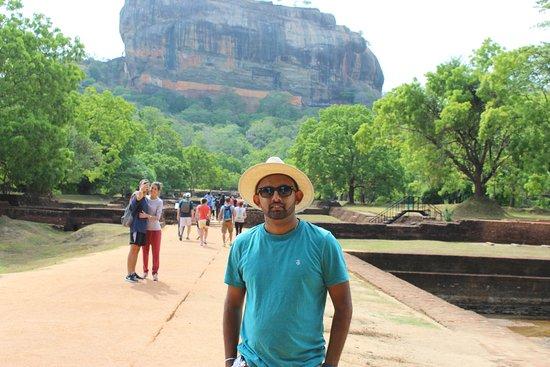 BH Sri Lanka Tours