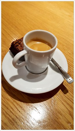 Baslow, UK: And even the meal completing espresso was perfect
