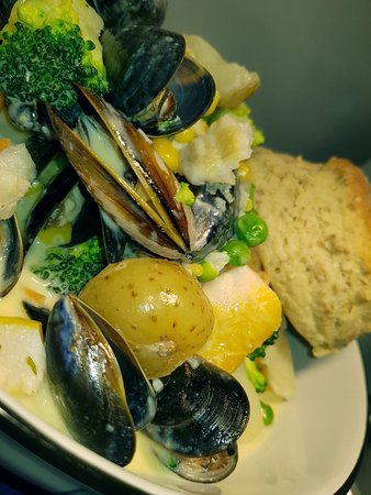 Donaghadee, UK: Chef Pete knows his seafood!