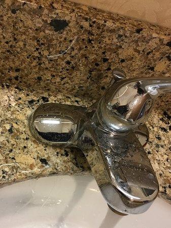 Abilene, KS: Terrible leak