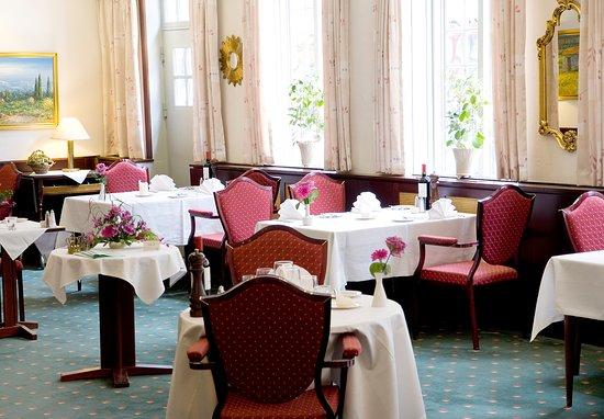 Hyggelig restaurant - Picture of Herlov Kro Hotel, Herlev - TripAdvisor