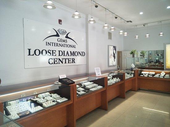 George Town, Grand Cayman: Gems International Loose Diamond Center - Store Oceanfront