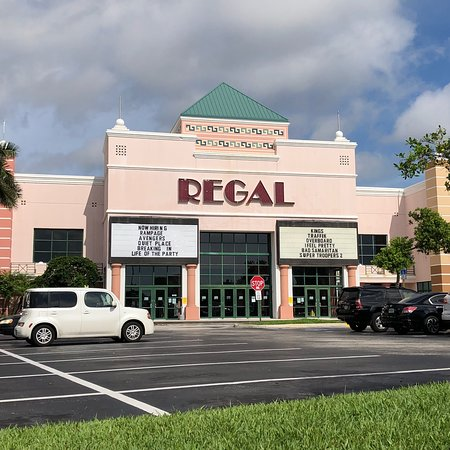 Regal Cinemas Cypress Creek Station 16