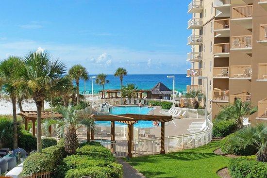 Resorts of Pelican Beach: Pool area at Pelican Beach Resort.