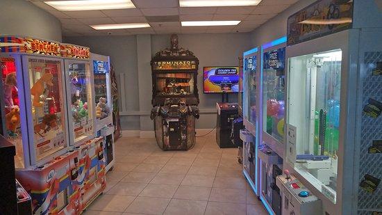 Resorts of Pelican Beach: Game Room at Pelican Beach Resort.