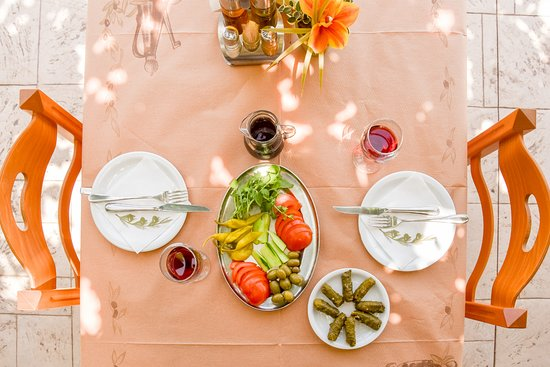 Ladiko, اليونان: Greek meze with fine local wine before the main dishes