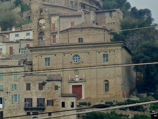 Grottammare, Ιταλία: Vista frontale della chiesa