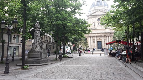 La Statue d'Auguste Comte