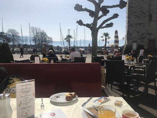 Hotel Helvetia: Frühstück auf der Terrasse