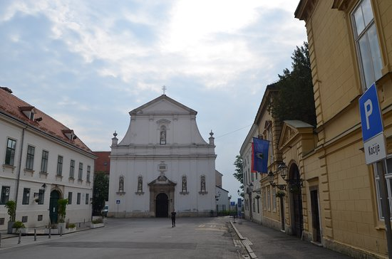 Church of St. Catherine: Front view