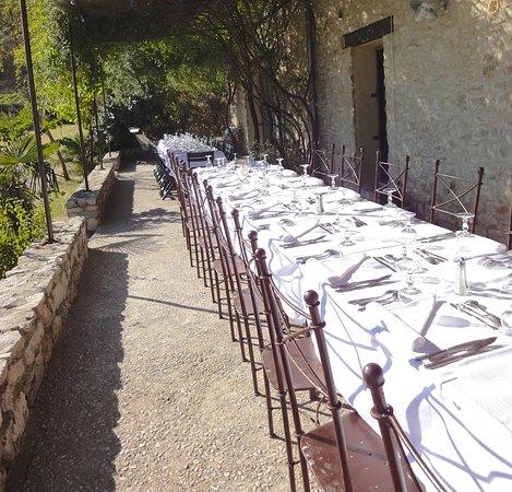 Valflaunes, فرنسا: Grande Terrasse pour repas de groupes
