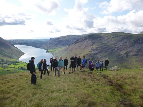 Kendal, UK: Lake District Guided Fellwalking Days. Decending from Scafell Pike Summit.