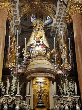 Basilica de la Virgen de los Desamparados : IMG_20180514_191053_large.jpg