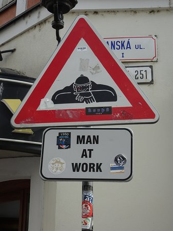 Cumil: Road warning sign