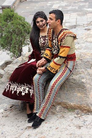 Lusarat, أرمينيا: Verlobung auf historischem Boden