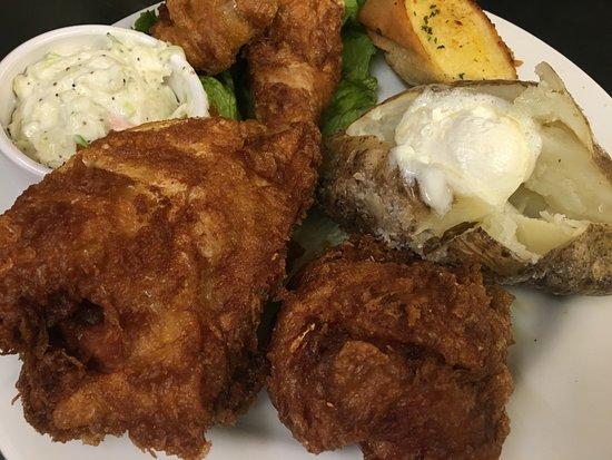 Culver, IN: Corner Tavern Fried Chicken