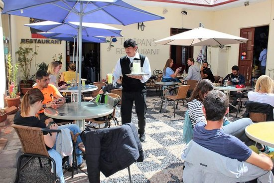 Tulipan's Restaurant & Pizzeria: Beautiful courtyard for mid Day and the afternoons, Enjoy our typical food and drinks under our