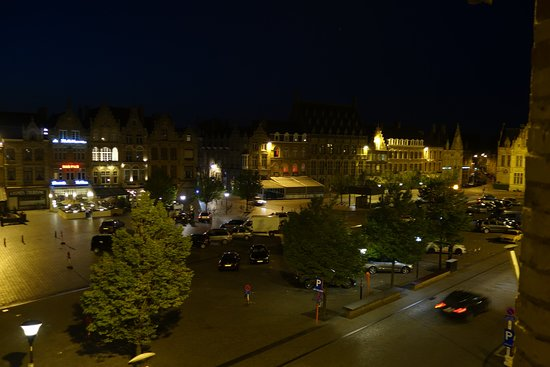 Hotel O Ieper - Grote Markt: Great view from my room