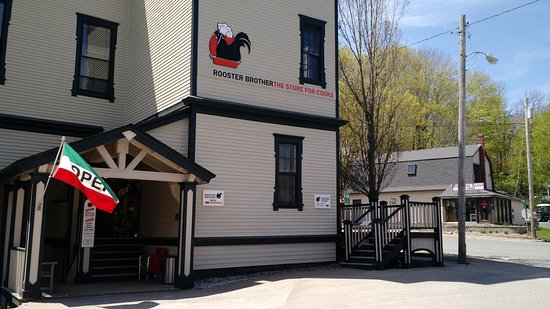 Ellsworth, Maine: Side Entrance
