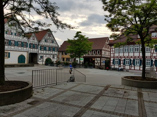 Ditzingen, Alemanha: 20180516_202249_large.jpg