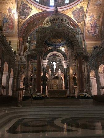 Cathedral Basilica of Saint Louis: من الداخل
