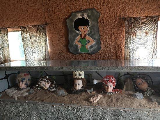 Williams, AZ: Inside the buildings - creepy cheap dolls in the salon