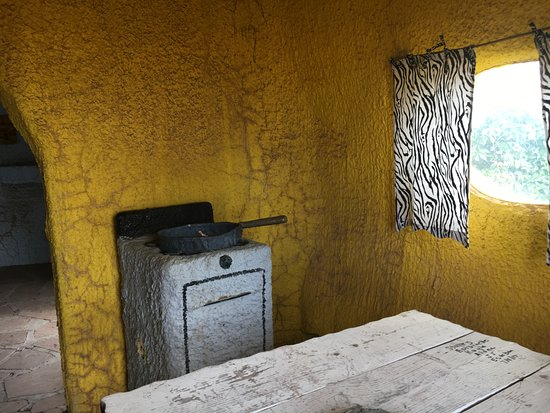 Williams, AZ: Inside the buildings - in need of a cleaning